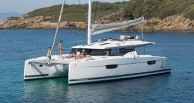 Fountaine Pajot Saona 47 в марине Marina Mandalina в Sibenik.
