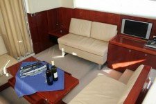 Fairline Phantom 48.