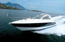 Fairline Targa 47 GT в марине Marina Mandalina в Sibenik.