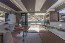 Fountaine Pajot 37.