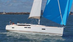 beneteau oceanis clipper 331 rent a yacht on Adriatic