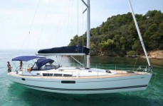 Maiora 29 crewed luxury charter yacht adriatic